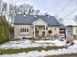 Wonderful Custom built home!!! Pincourt! $350,000