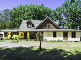 St Lazare! Country living Close to the City!! $650,000